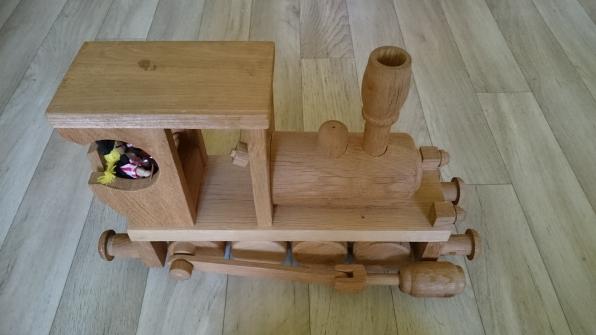 Dřevěný vlak